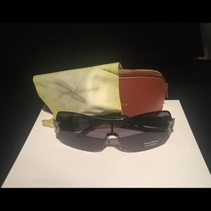 Tommy Bahama sunglasses with case and cloth